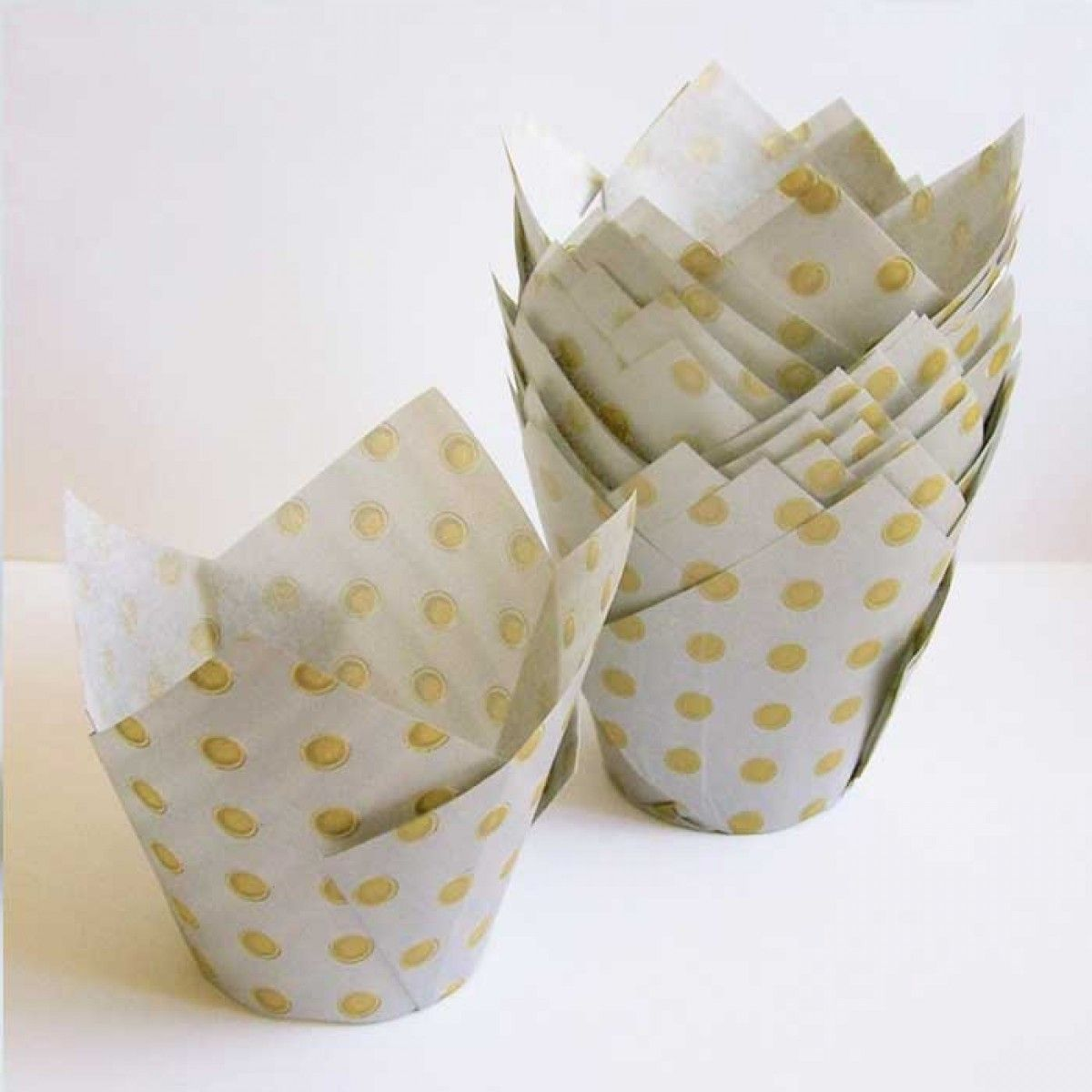 Cupcake Liners Tulip Silver With Gold Polka Dots Gold Polka Dots Gold Cupcakes Cupcake Liners