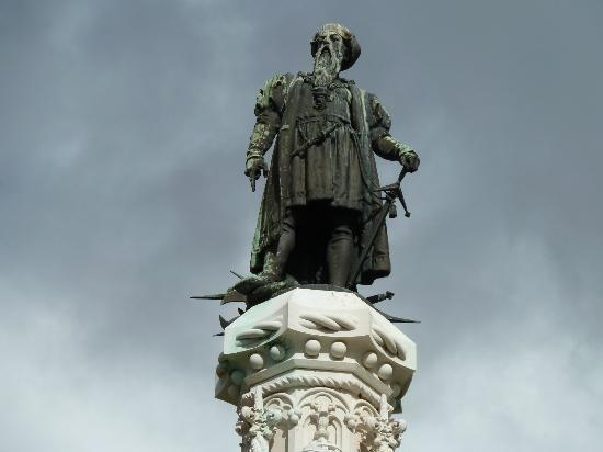 Vasco de Gama Statue