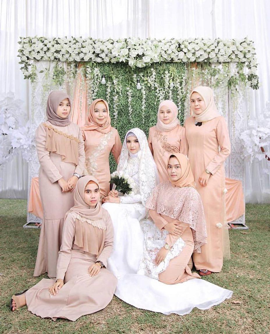 "Dress Gaun Kebaya Bridesmaid on Instagram: ""Inspired by"