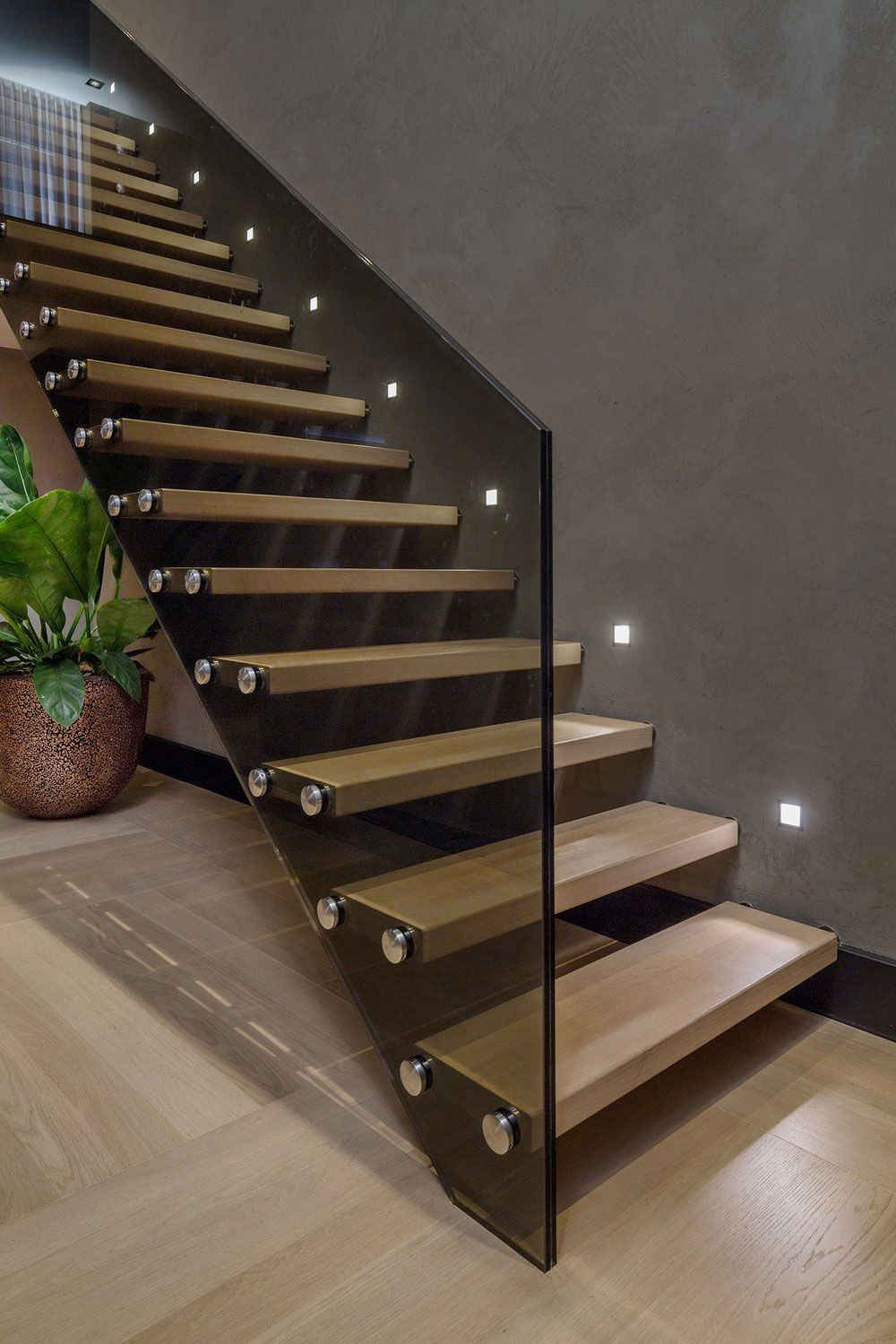 Merveilleux Interior, Contemporary Floating Wooden Sttaircase Idea With Stainless Steel  Nails And Dark Glass Stair Handle To Reflect Modern Rotterdam Residence ...