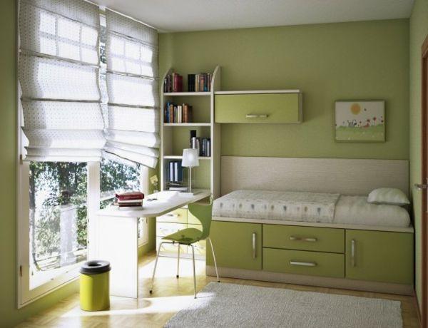 Kleines Bett Und Schreibtisch In Grün Fürs Kinderzimmer ... Ideen Kleines Kinderzimmer