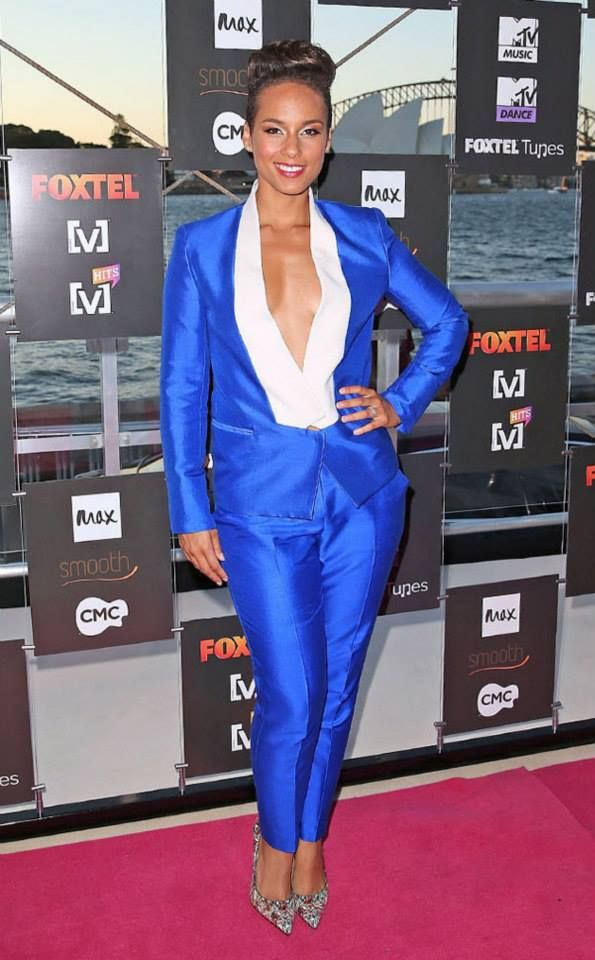 Alicia Keys Height m, Weight kg, Measurements Bra Size Dress Size US, Shoe  size