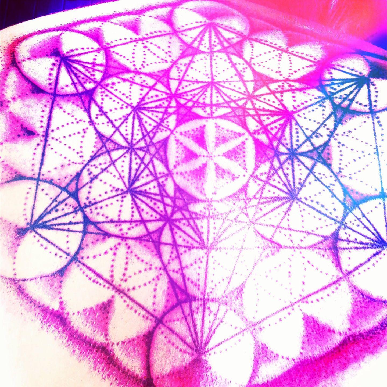Personal tattoo : flower of life w/ metatron cube : stippled
