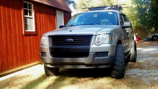Ford Explorer 2006 4x4 305 70 R16 Black Grill Yakima Roof Rack And Basket 1 Inch Lift With A 4 5 Inch Lift On The Way Audio K Ford Explorer Roof Rack 4x4