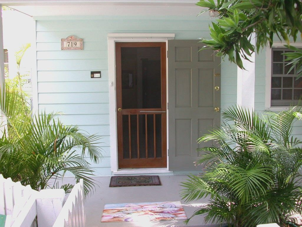 Private Homes Old Town Vacation Rental Vrbo 6429 1 Br Key West Cottage In Fl Key West Lazy Lane Vacation Rental Ac Key West Cottage Key West House Styles