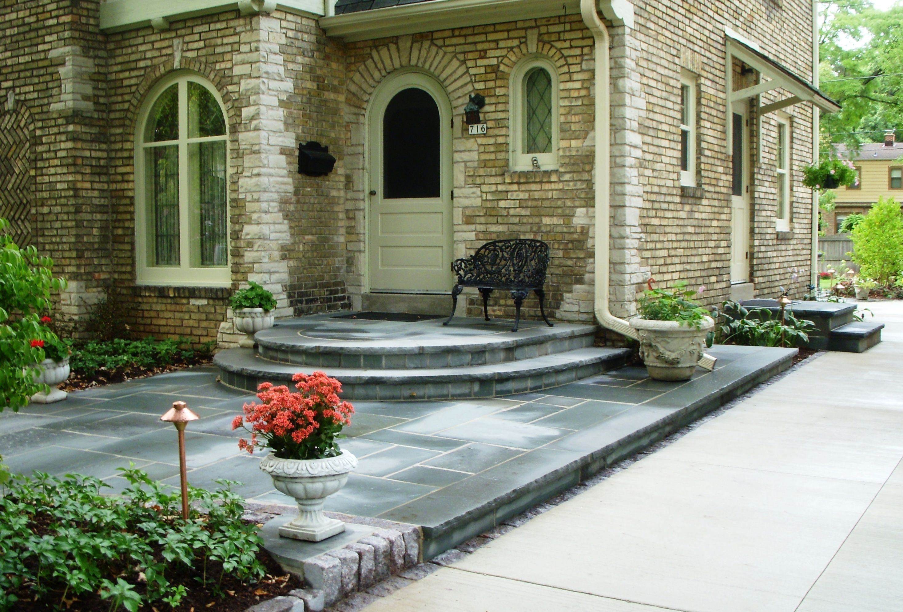 Door Stoop | curved stoop is reconstructed and capped with Bluestone in a shape . & Door Stoop | curved stoop is reconstructed and capped with Bluestone ...
