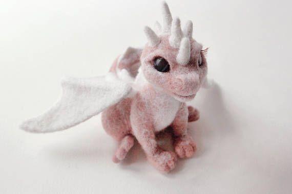 Needle felted dragon, game of thrones gift, felt dragon sculpture, fantasy creatures, birthday gift, cute home decor, fairy animal