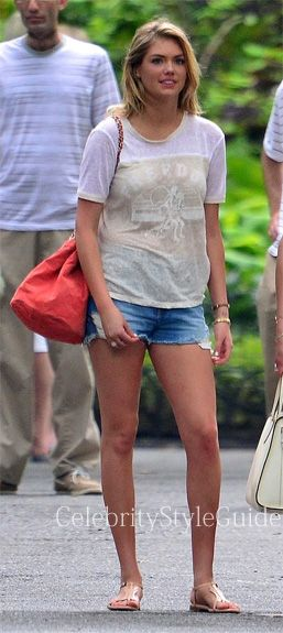 Seen On Celebrity Style Guide Kate Upton Was Spotted Wearing Etoile Isabel Marant Rob Linen T