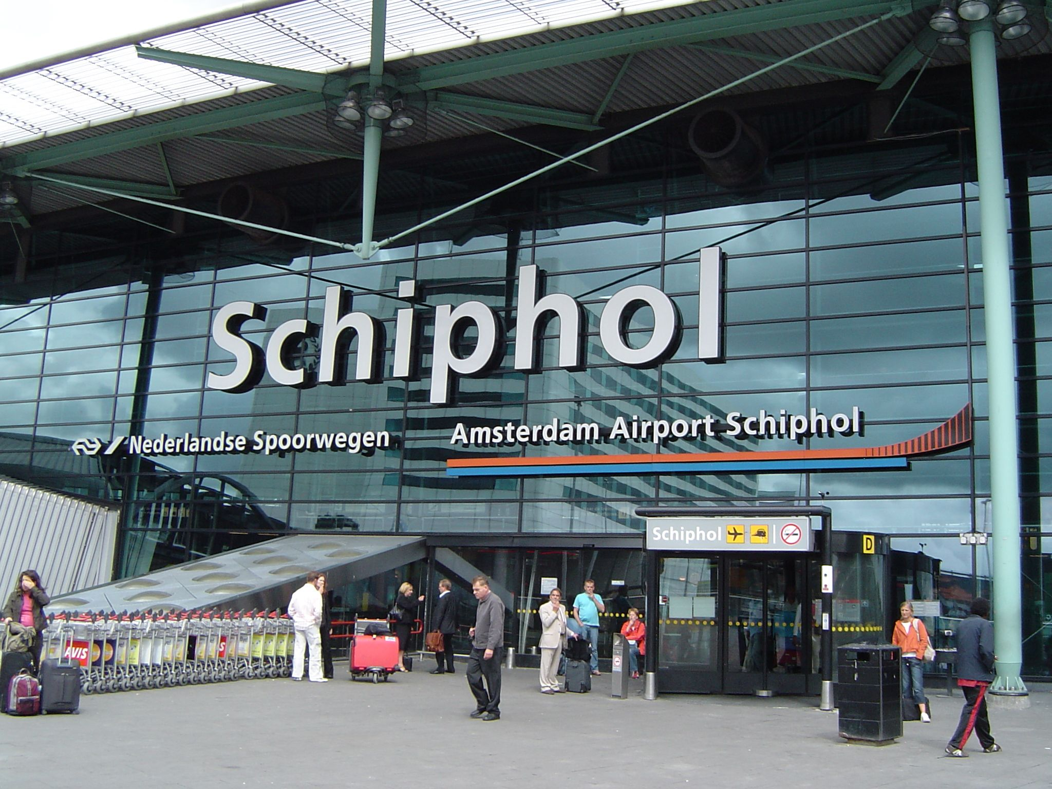 Book an economical taxi from Amsterdam Schiphol