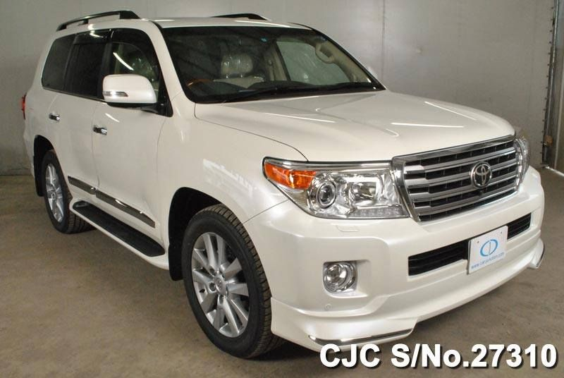 2014 Toyota Land Cruiser Prado For Sale 4600cc Petrol Engine Cool Box Rear Entertainment Front Side And Back Camera Toyota Land Cruiser Japanese Used Cars