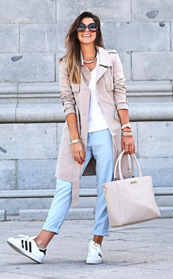 look cigarrete e trench coat