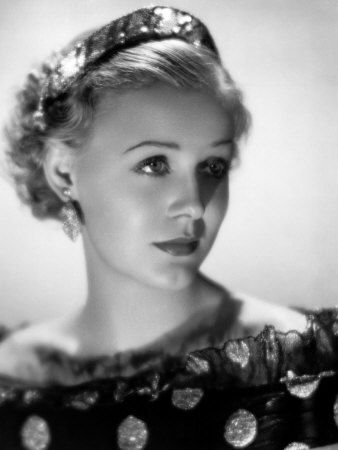 gloria stuart who played modern day rose in titanic was so. Black Bedroom Furniture Sets. Home Design Ideas
