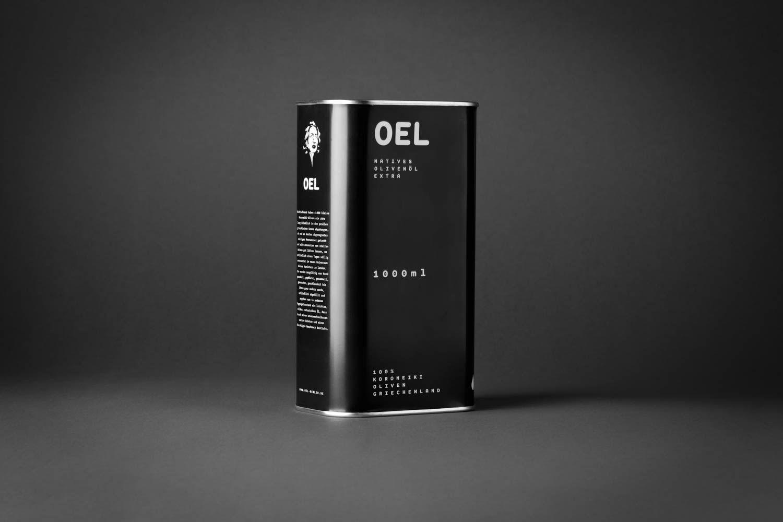 Der 1 Liter OEL-Kanister - Natives Olivenöl extra, aus einhundert Prozent eigenen Koroneiki-Oliven, Messenien, Griechenland, abgefüllt Anfang Dezember 2015. Preis: 17€