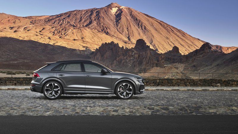 Audi Crowns The Rs Q8 With Six Digit Starting Price In 2020 Audi Rs Audi Living In Car