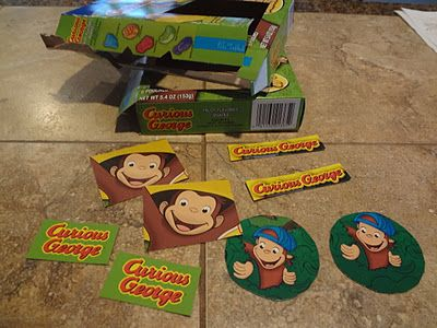 "ID Mommy: DIY Curious George / Monkey Birthday Party - Fruit snacks box ""table confetti"""