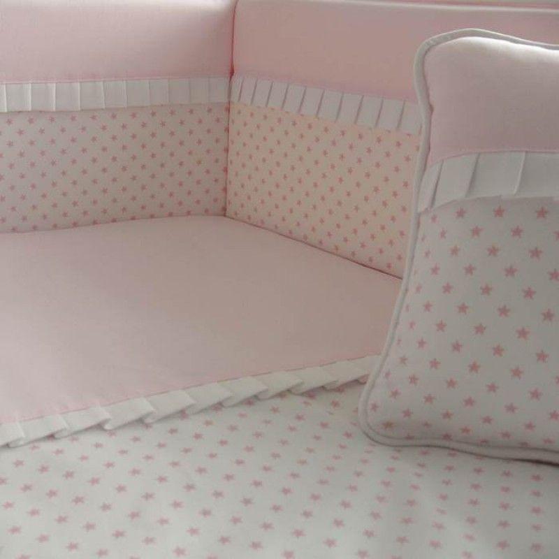 Cojín para cuna o cama infantil con greca y piculina