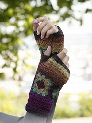 crochet pattern - wrist warmers with squares