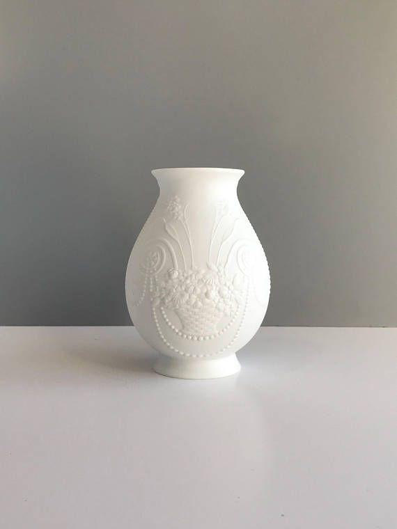 Vintage Kaiser Germany Matte White Bisque Vase Vintage Ak Sand