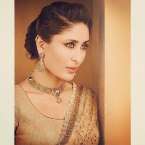 Neat Bun With Side Parting And Puff Kareena Kapoor Bollywood Hairstyles Kareena Kapoor Hairstyles Short Hair Updo