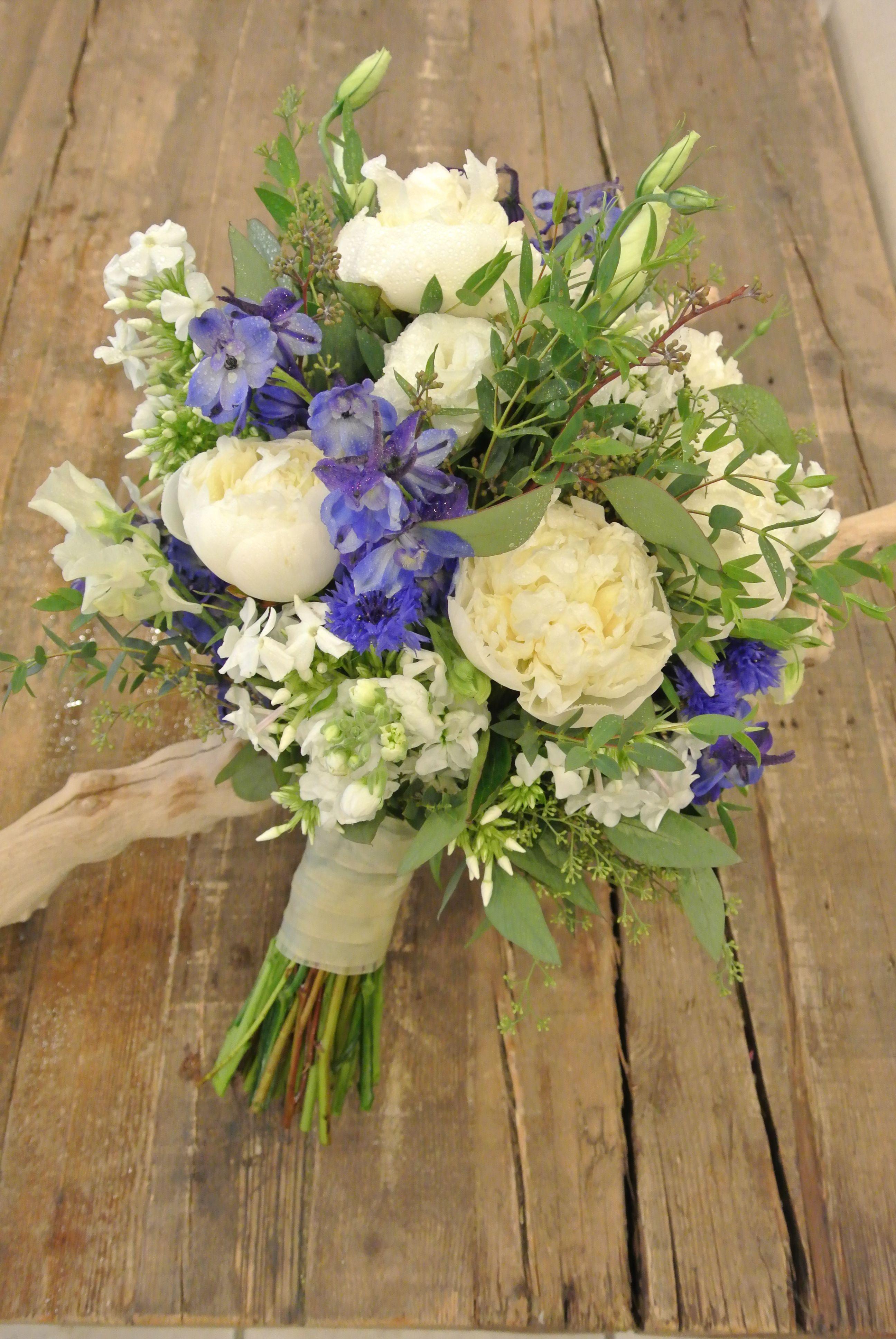 The 25+ best Phlox bridal bouquet ideas on Pinterest ...