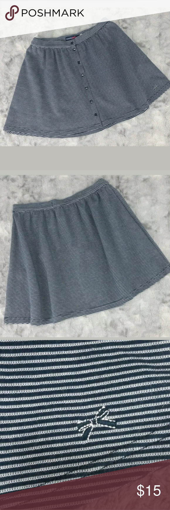 f00b019eabf5e Tommy Hilfiger Skirt L Blue Striped Skater Knit Tommy Girl (Tommy Hilfiger)  Size Large Navy Blue/White Striped Textured Fabric, Snaps Down Front 100%  Cotton ...
