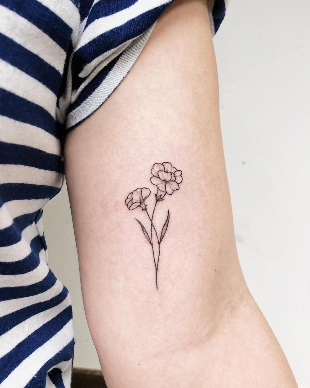 Minimalist Tattoo Meaning Minimalisttattoos In 2020 Carnation Tattoo Autumn Tattoo Mum Tattoo