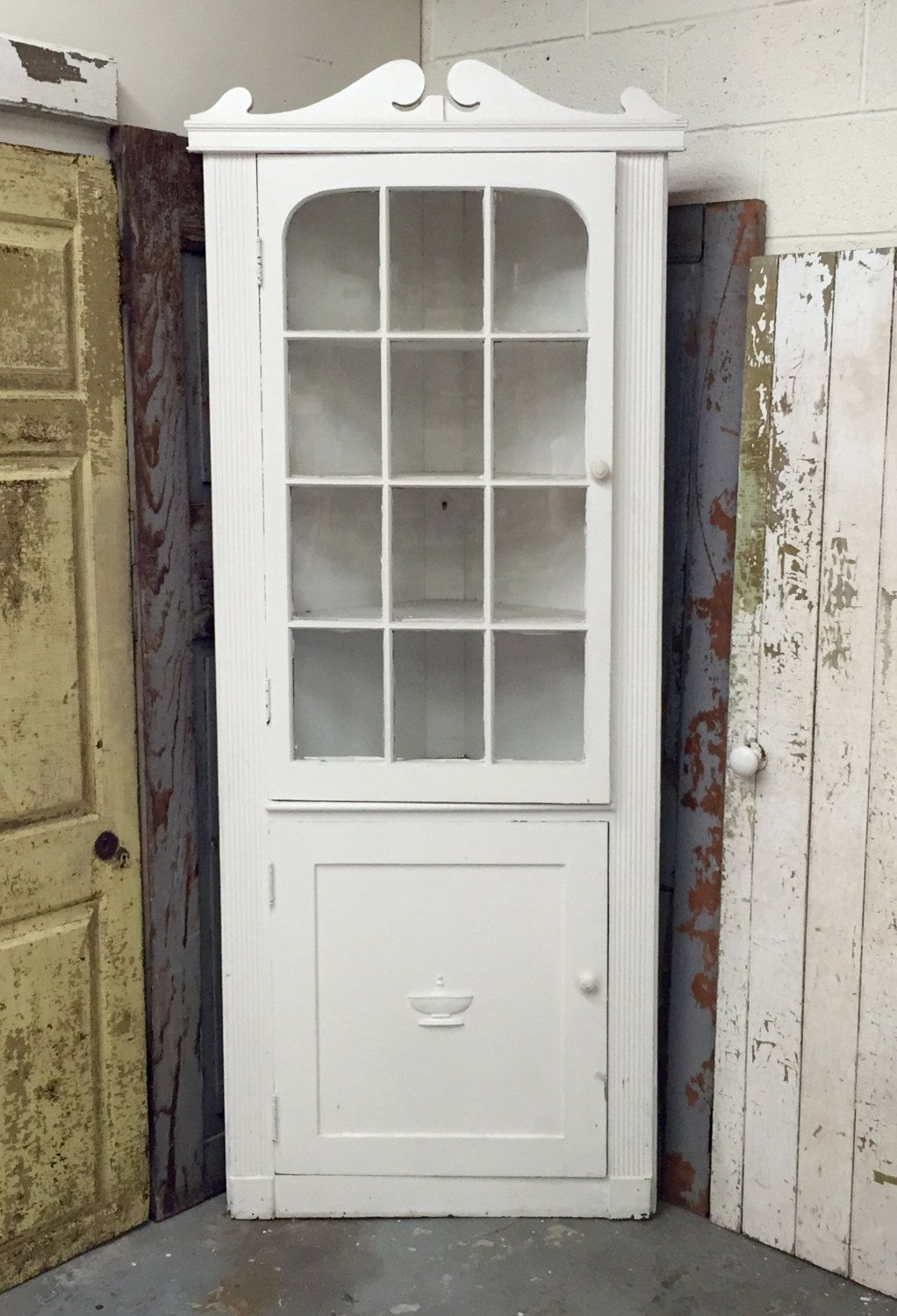 Best White Corner Cabinet Distressed Painted Furniture 640 x 480