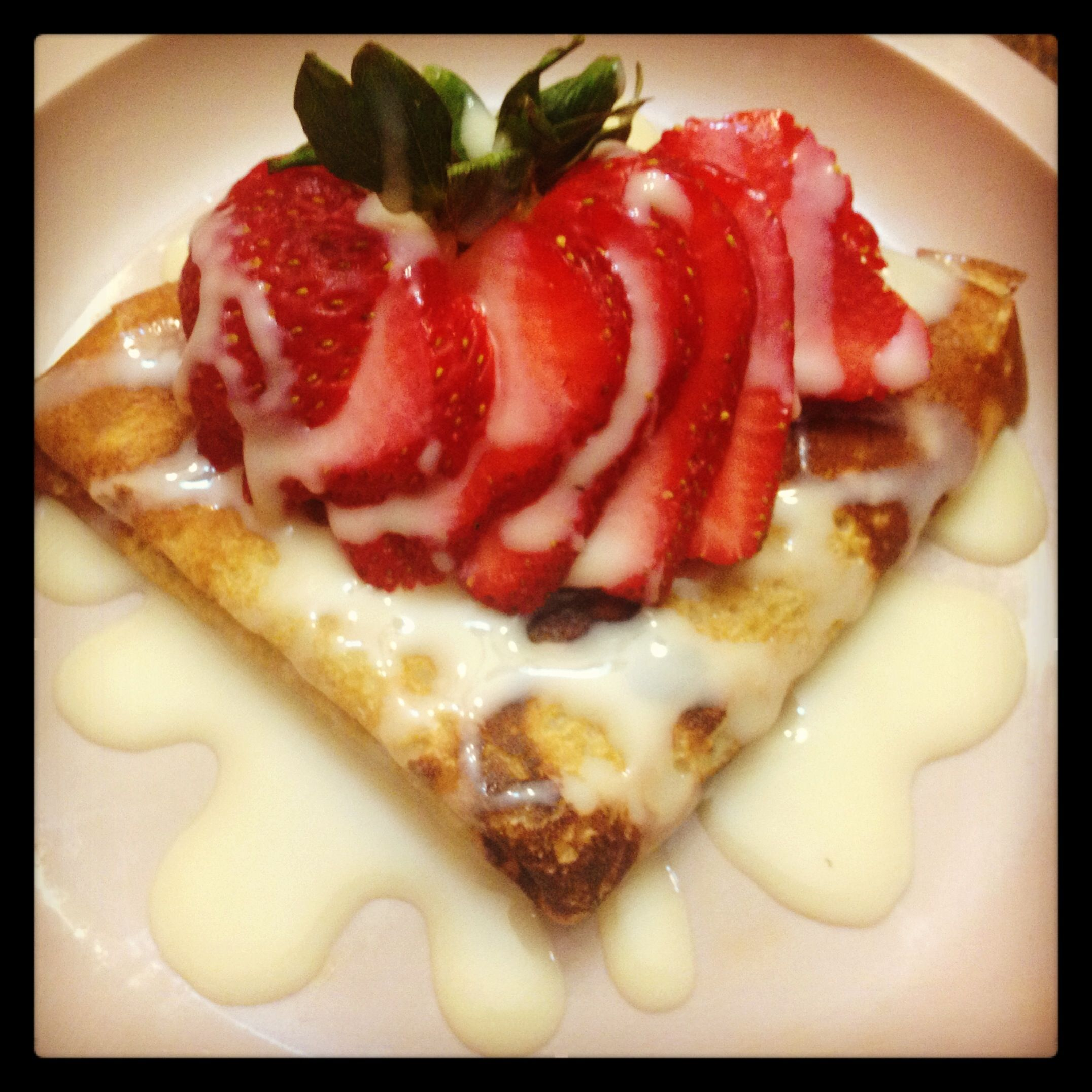 Photo of Crepes with La Lechera y fresas Crepes with condensed milk and strawberries.