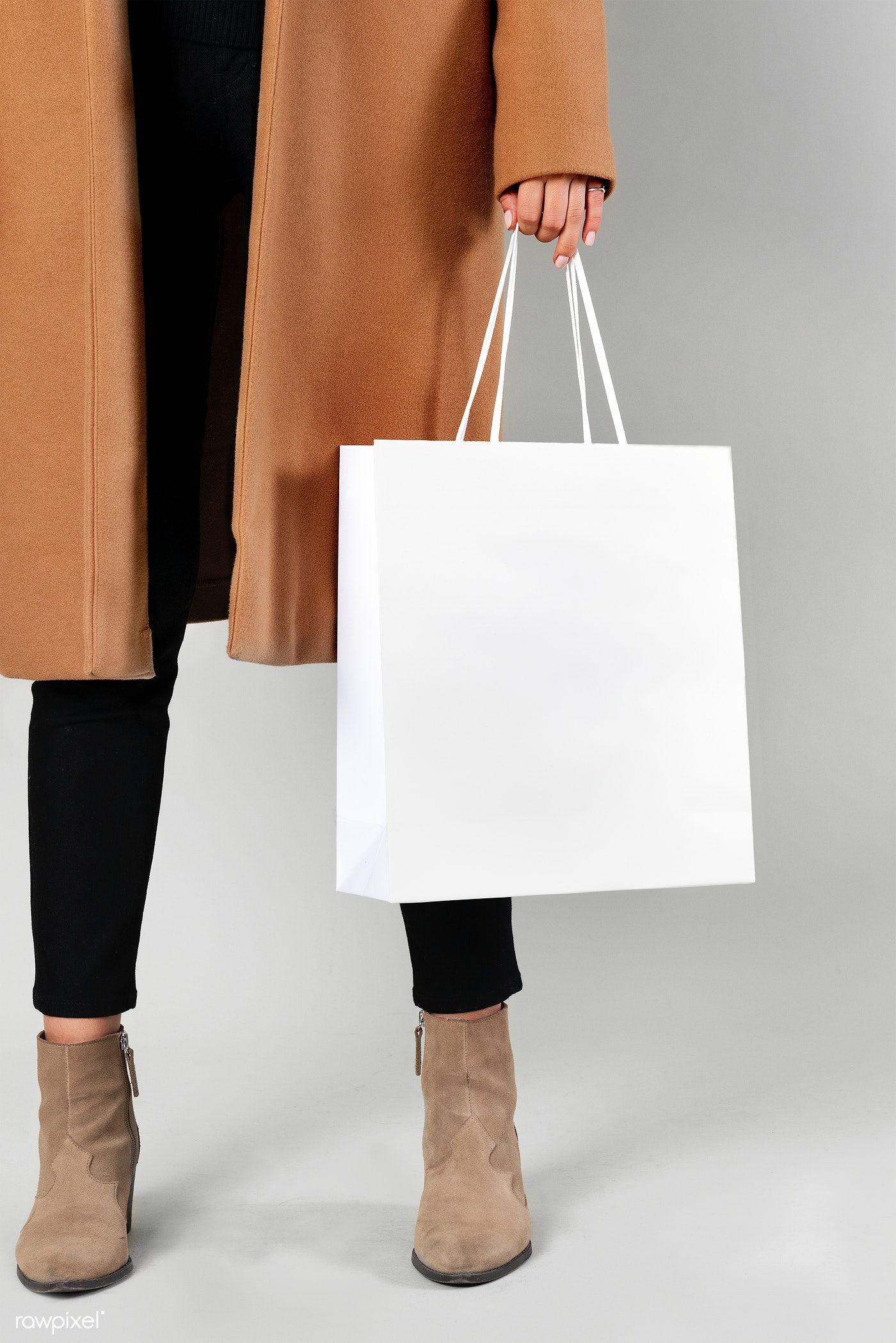 Download Download Premium Png Of Woman Carrying A Shopping Bag Mockup Transparent Bag Mockup Bags Shopping Bag
