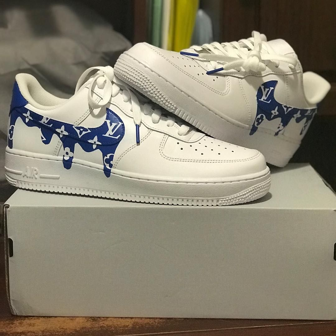 Image may contain shoes Sneakers, Nike air force sneaker