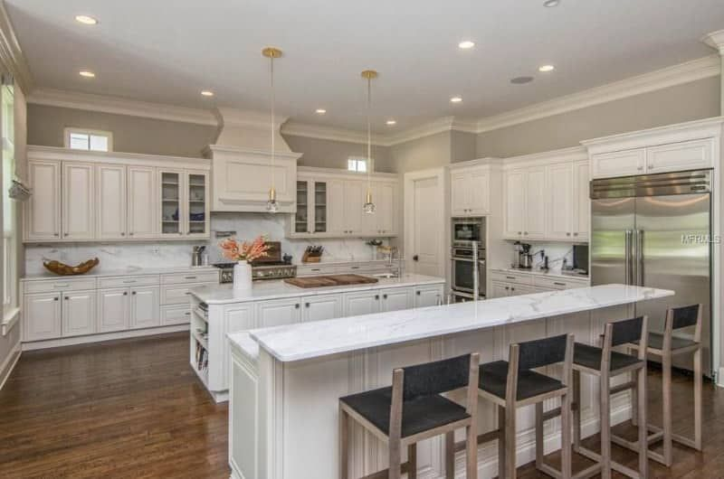 30 Kitchens With Two Tier Islands Nice Feature Grey Kitchen Walls Kitchen Remodel Large Kitchen Ideas