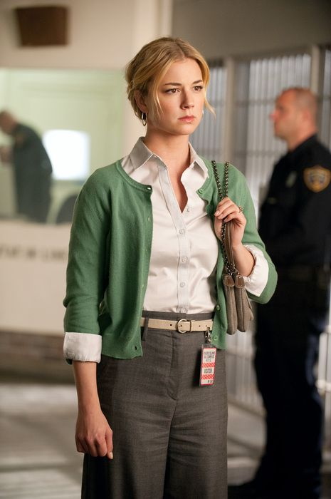 Revenge's Emily VanCamp business casual outfit