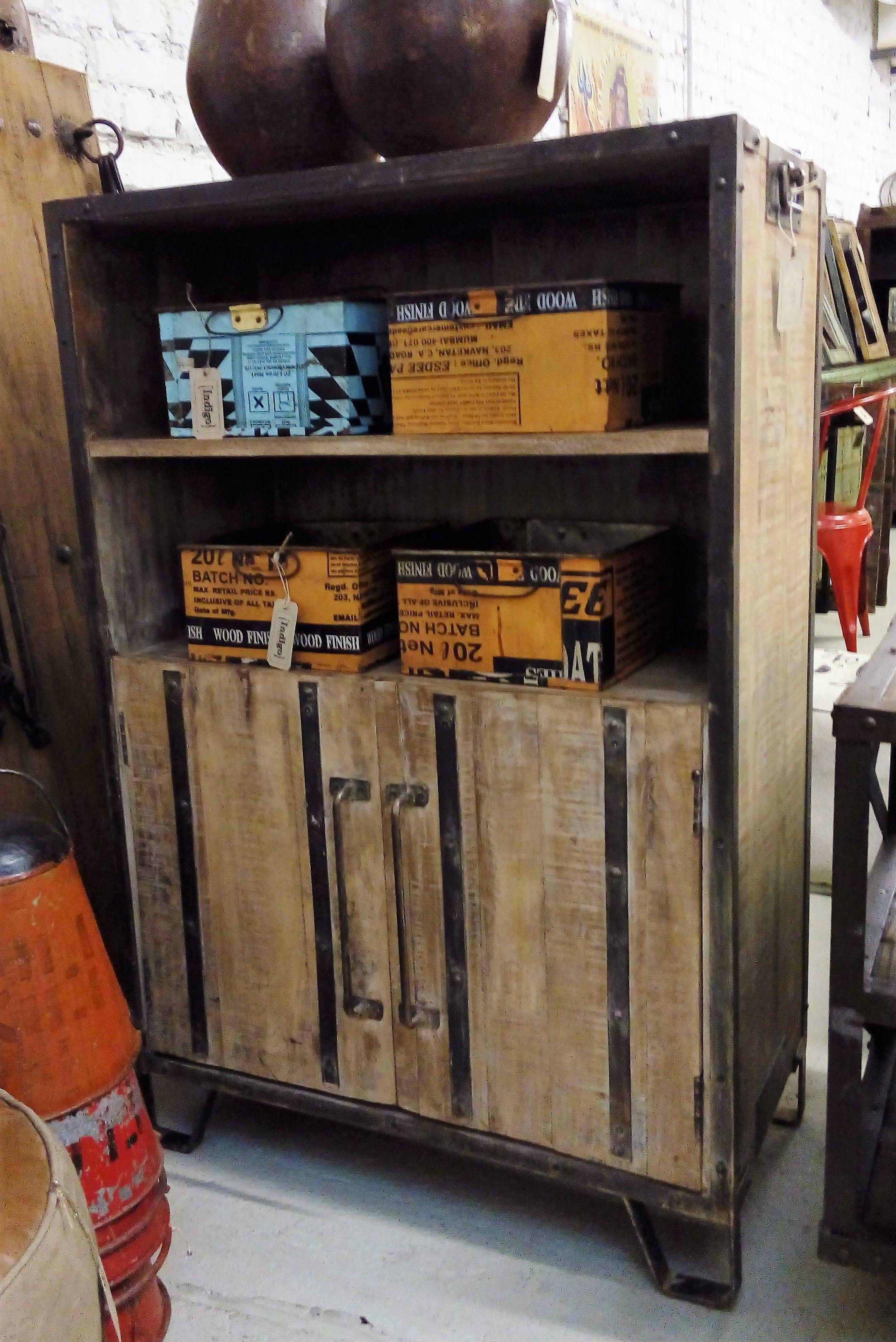 Indigo Express store Vienna....Industrial style, Vintage Möbel, Industrial chic, Shabby chic, indische Möbel, Schrank #indischemöbel Indigo Express store Vienna....Industrial style, Vintage Möbel, Industrial chic, Shabby chic, indische Möbel, Schrank #indischemöbel