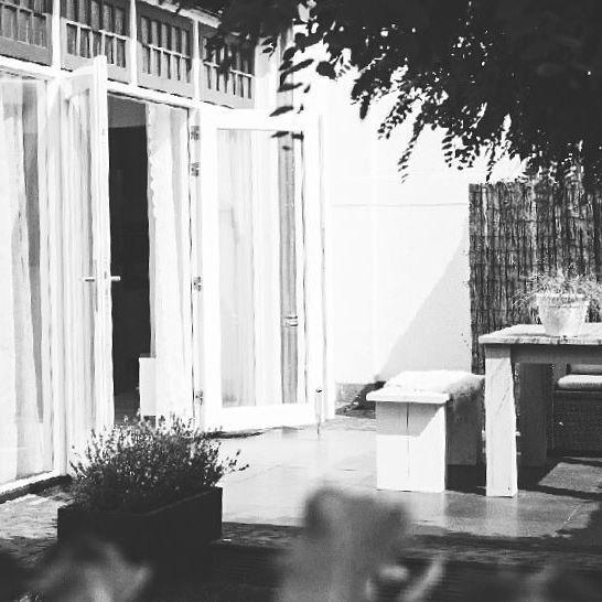 tuin - garden - inspiratie - uitbouw - tuindeuren - pui - glazen pui - oud huis - terras  © FOTOGRAFIE DOOR LIANNE - Lianne van der Kwast