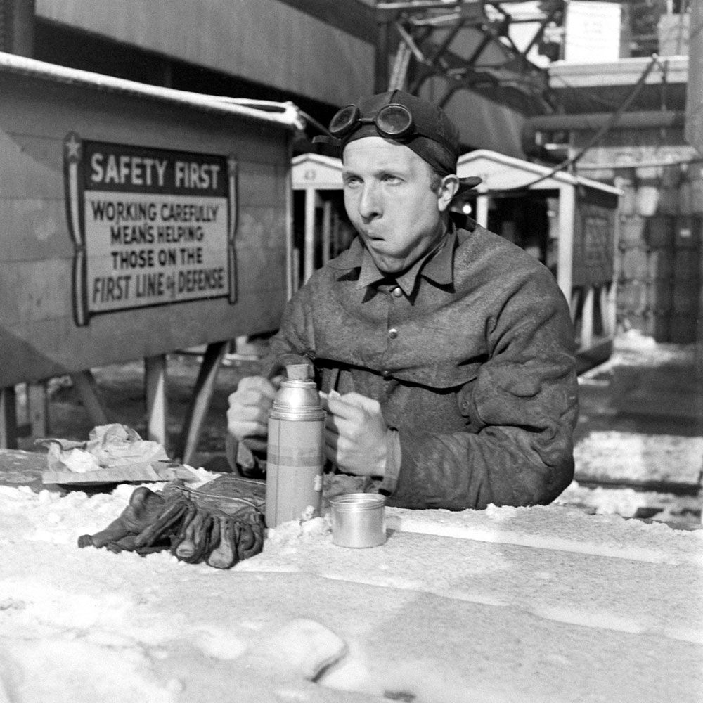 worker reads history Based in small part on a real-life munitions worker, but primarily a fictitious character, the strong, bandanna-clad rosie became one of the most successful recruitment tools in american history .