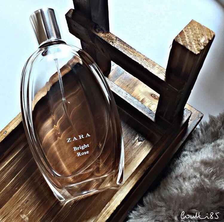 من اجمل العطور اللي جربتها من زارا معرف اوصف الروايح بس جد يجنن وريحتة فخمة يذكرني بعطر من نارسيسو اسمه برايت ر Perfumery Arabian Makeup Perfume Bottles