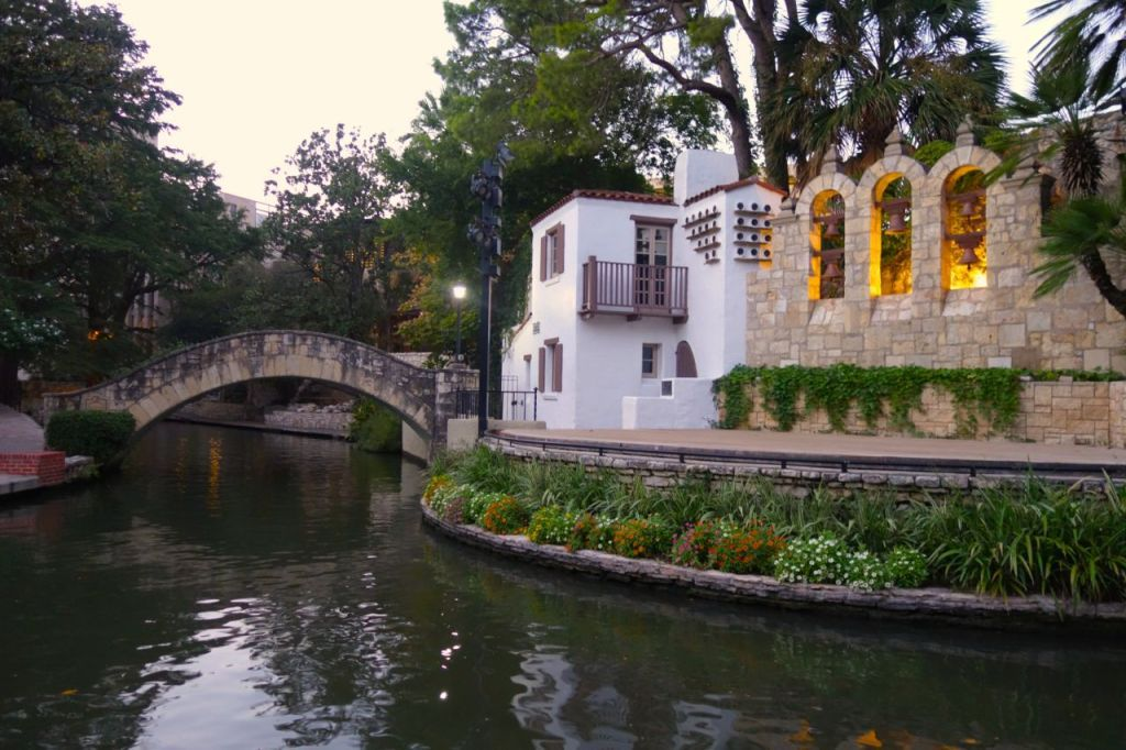 San Antonio Hotels Drury Inn Suites Riverwalk Tx Austin People To See Places Stay Things Do Pinterest