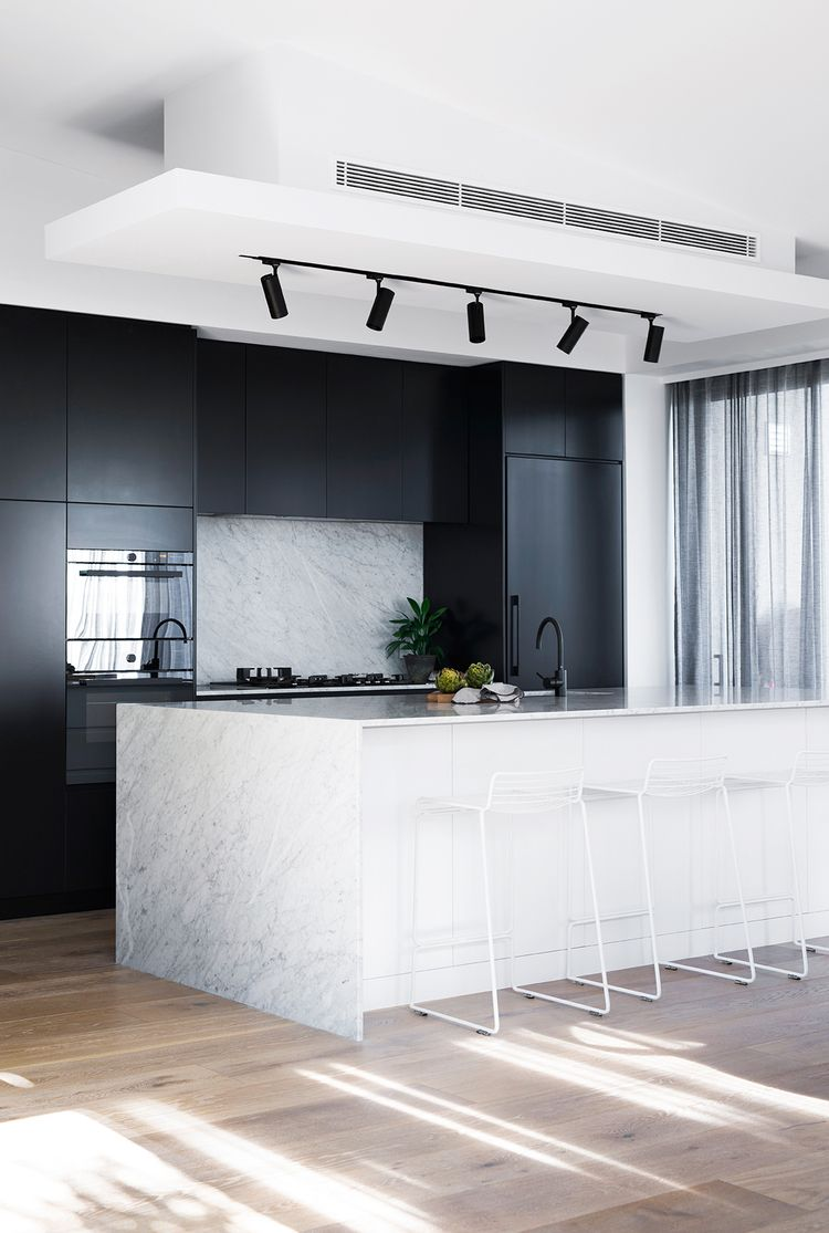 Marble Keuken Black Track Lighting Marble Keuken Kitchen Cabinetry Kitchen