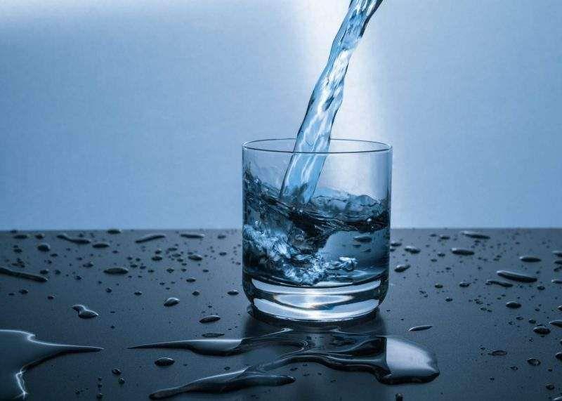 أشهر أخطاء شرب الماء التي لا يعرفها الكثيرون Best Hydration Drink Hydrating Drinks Benefits Of Drinking Water