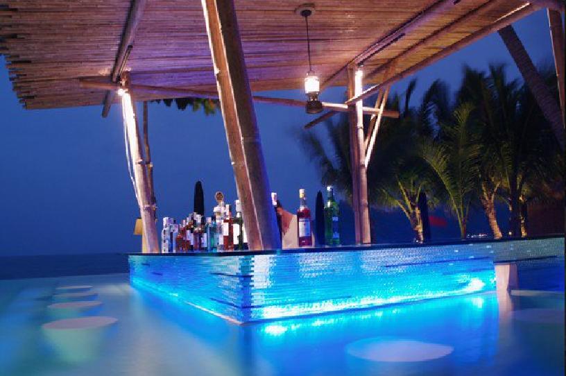 Anantara rasananda koh phangan villa resort and spa - Pictures of pools with swim up bars ...