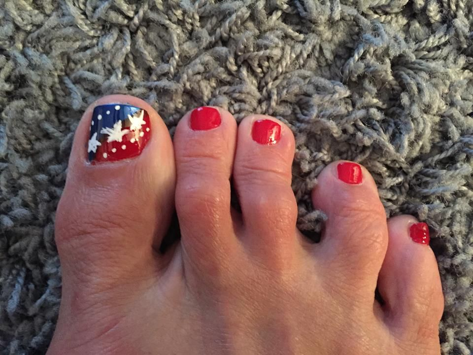 of July is the time of the year to get drenched in the patriotic spirit.  Show your love for America, with unique patriotic toe nail art designs. - 40 Irresistible 4th Of July Patriotic Toe Nail Art Ideas Toe Nail