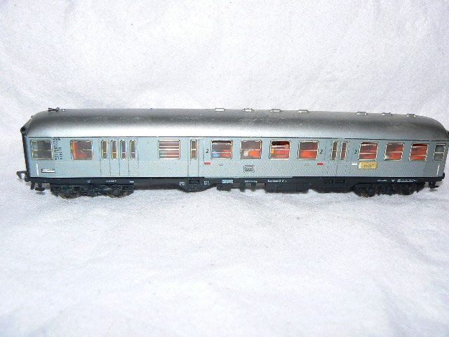 Trix Express HO Scale find HO Scale Scenery at http:/modeltrainfigures.com