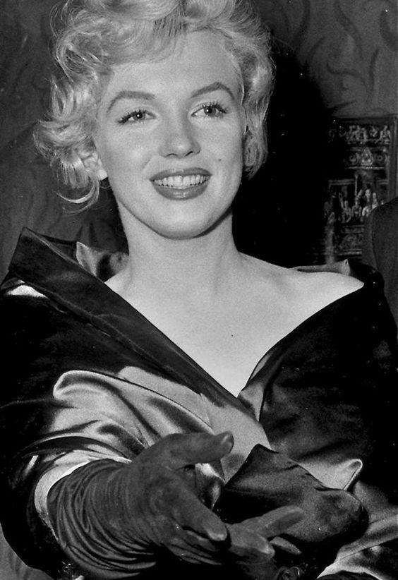 """Marilyn at the London premiere of """"A View From The Bridge"""", October 11th 1956."""