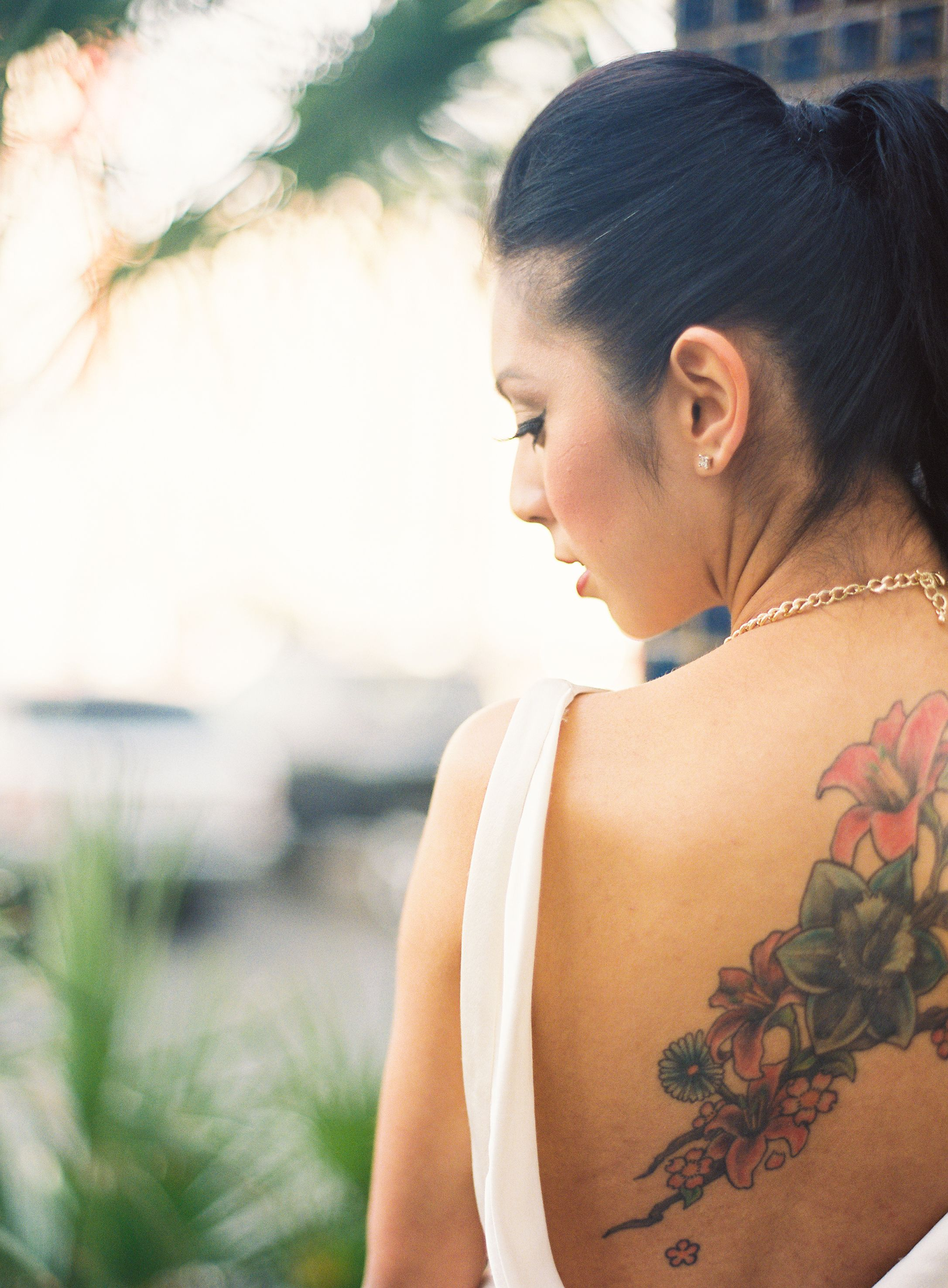 Bride tattoo back tattoo brides backless dress backless for Cheap tattoos las vegas