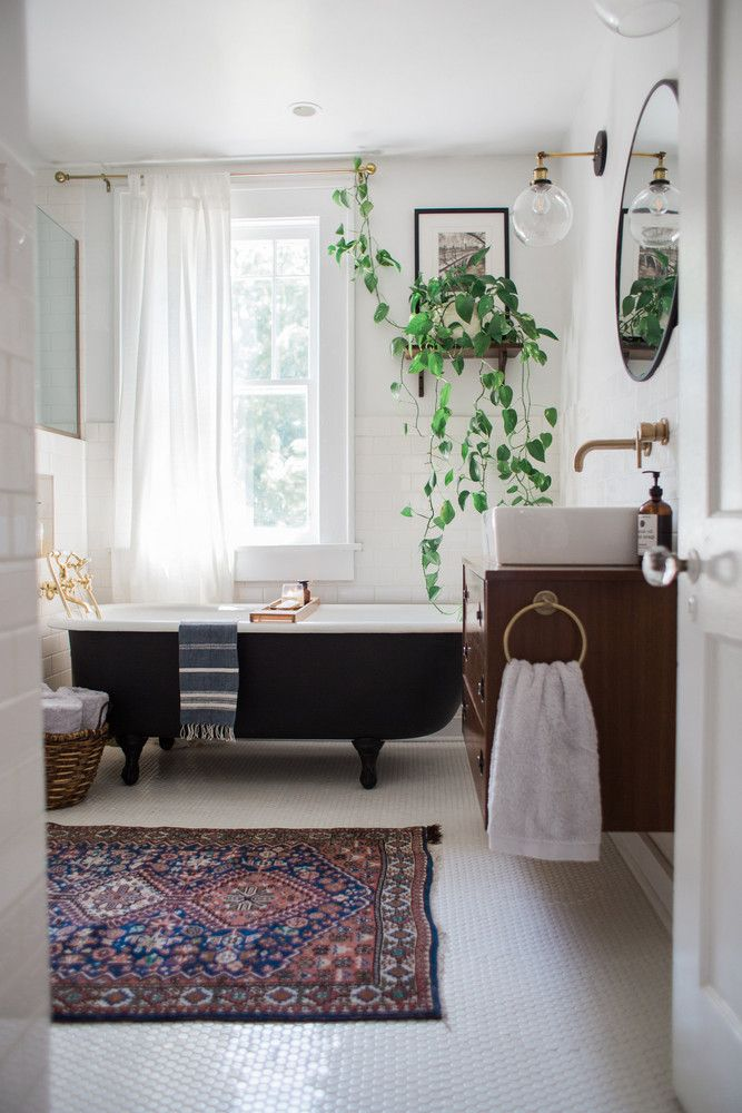 Bathroom Makeover Kit before & after: a 1920s kit house gets a modern, cali-inspired