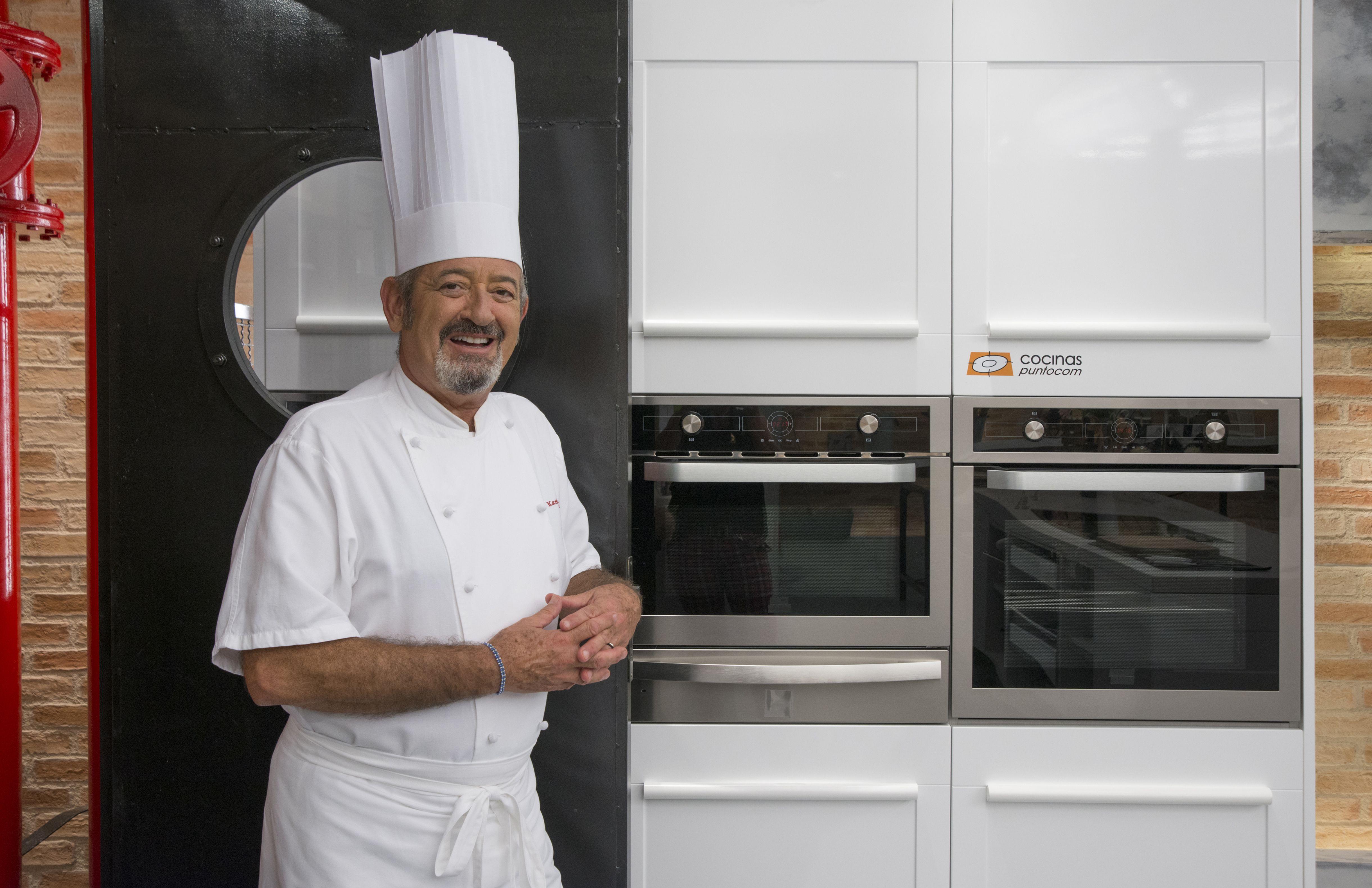Cocina Con Arguiñano | Karlos Arguinano En Su Nueva Cocina La Tercera Que Cocinas Com Ha