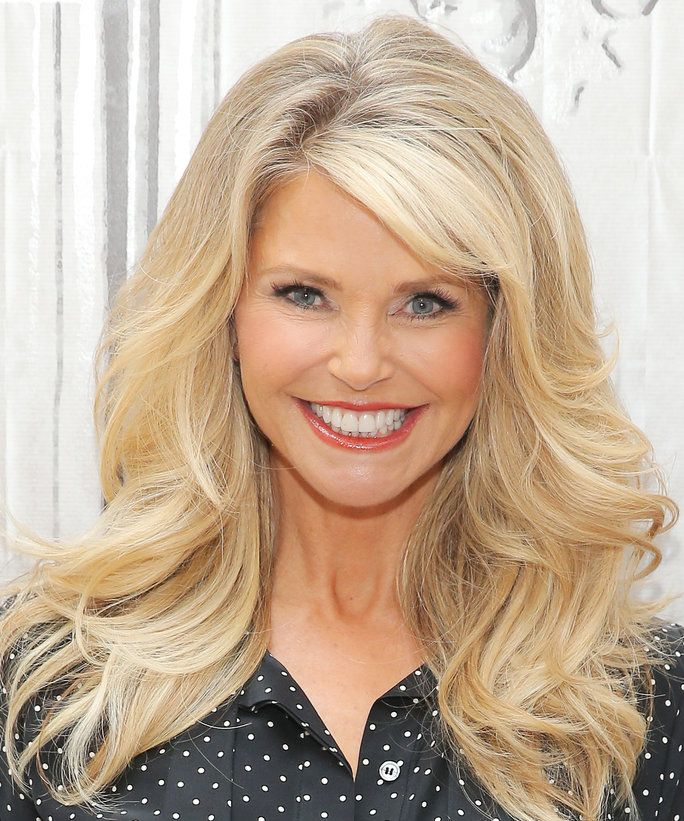 Hairstyles For Over 60 Yrs: Christie Brinkley Shows Off An Incredible Bikini Body
