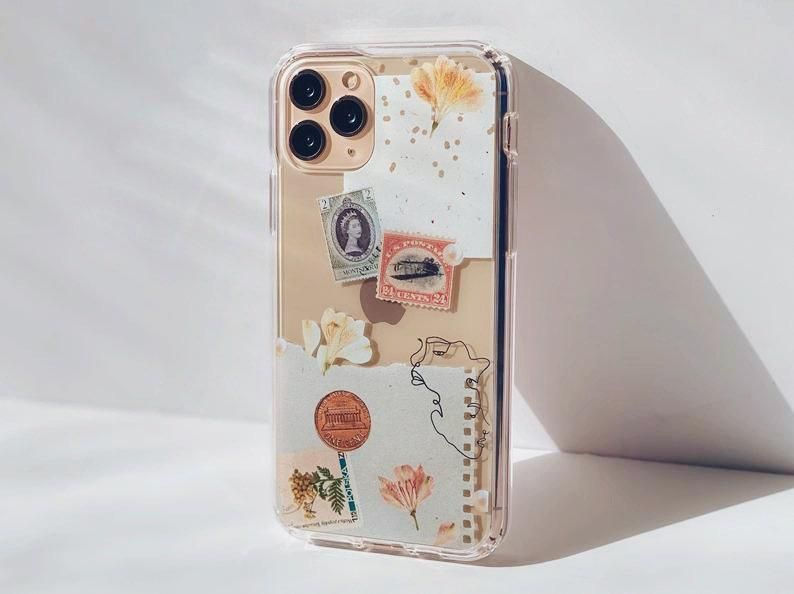 Vintage Aesthetic Scraps Phone Case For iPhone 12 Mini 11 Pro XS Max XR 7 8 Plus SE 2020 Clear Case With Pressed Flower Print Collage Design