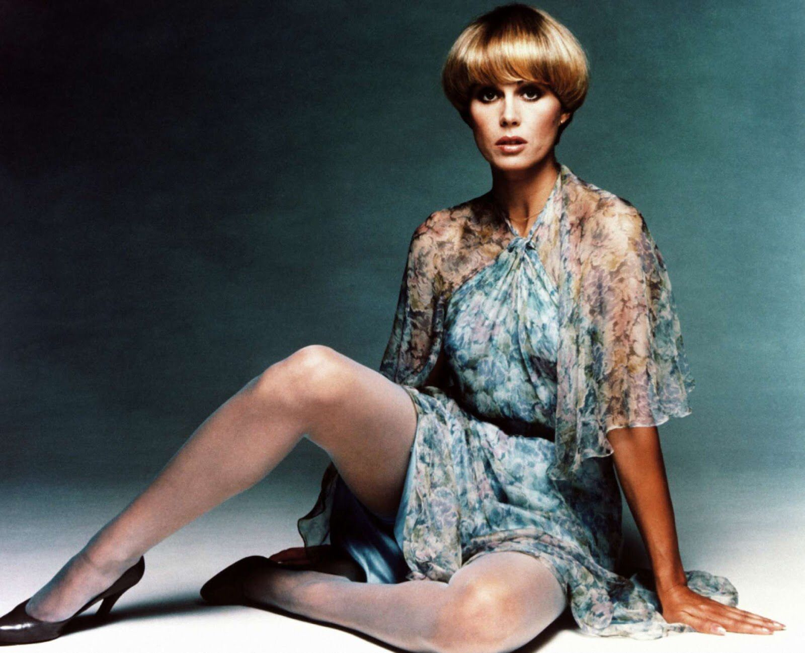 Purdey on the New Avengers (With images) | Joanna lumley ...