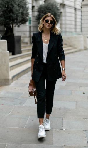 Photo of Like a Girl Boss – 10 Looks With Blazer + Sneakers